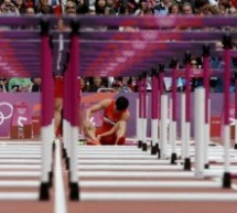 Liu Xiang Trips On First Hurdle, Hops Around On One Leg After Race, CCTV Commentator Weeps Into Microphone