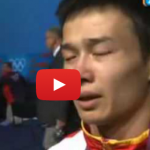 "Weightlifter Wu Jingbiao Demonstrates The Meaning Of ""Agony Of Defeat"""