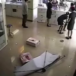 Civil Servant Called Out For Beating China Mobile Saleswoman