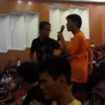 Hainan student throws shoe at Sima Nan