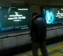 Man Casually Pees Off Beijing Subway Platform On A Monday Afternoon [UPDATE]