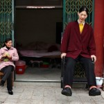 World's Tallest Woman, 7-Foot-8 Yao Defen, Dead At Age 40
