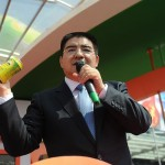 Chen Guangbiao sells canned air