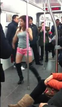 Wuhan subway pole dance girl 4