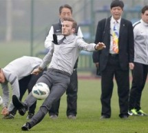 How Not To Take A Free Kick: David Beckham Demonstrates In Wuhan