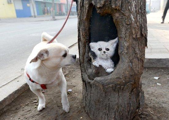 Hollow tree paintings in Beijing 1