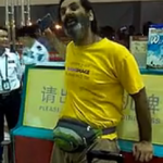 Foreigner At Sanya Airport Loses It, Gets Progressively Deranged In The Face Of Reason, Makes Mockery Of Chinese Language