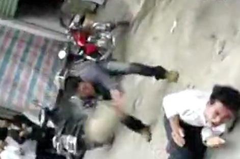 Brutal beatdown of thieves 4