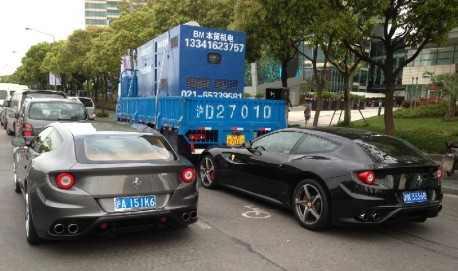 Ferrari crashes into truck in bike lane 3