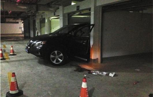 Setting cars on fire in Xinjiang