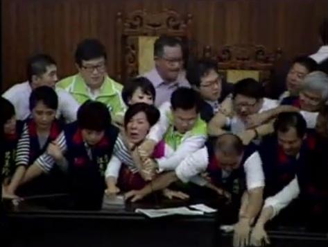 Taiwan parliament brawl 3