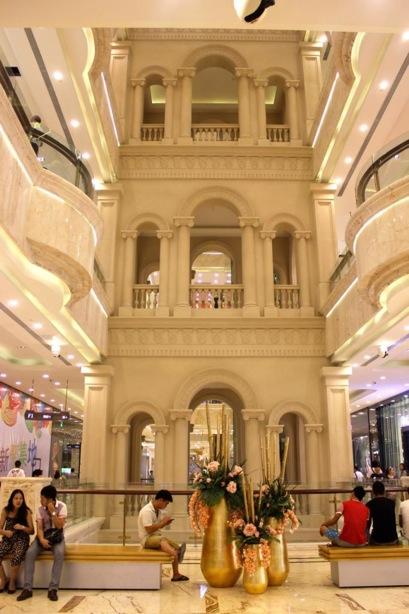Chengdu world's largest building 10