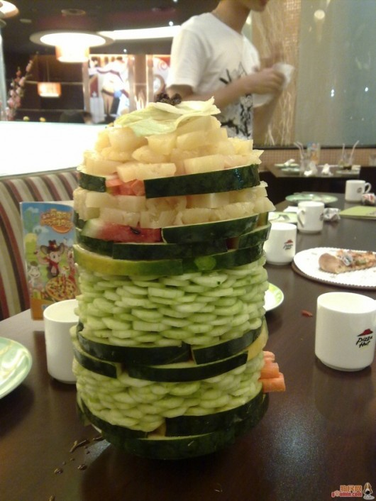 Salad tower at Pizza Huts in China 2