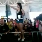 Shandong woman strips at Guangzhou Airport