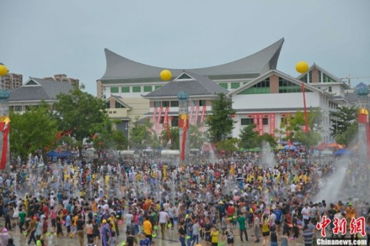 Hainan water fight during Qixi
