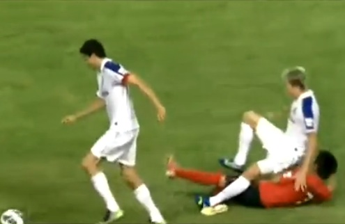 Horrible tackle in Chinese soccer 3