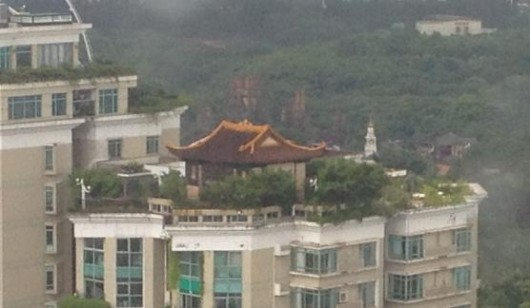 Rooftop temple in Shenzhen
