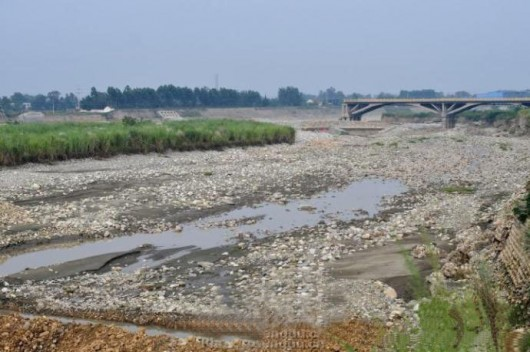 Pengzhou wading and fording through river 6