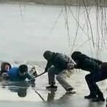 Hebei frozen lake rescue