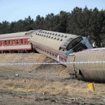 Passenger train derails on way to Harbin 4