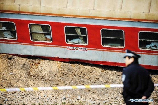 Passenger train derails on way to Harbin 5