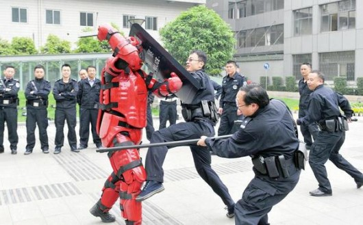 Sichuan police vs. Iron Man