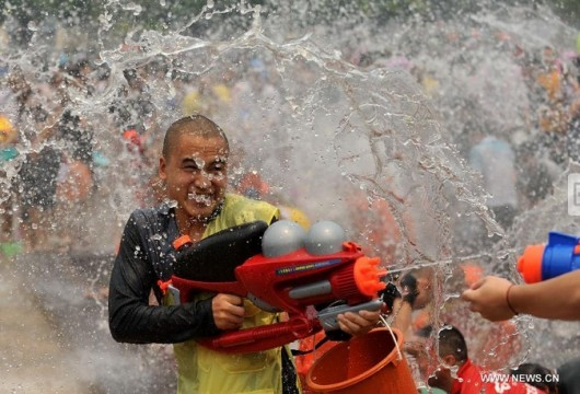 Water-splashing festival Xishuangbanna 1